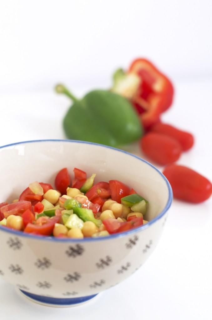 Recette de salade de pois chiches à la grecque vegan et sans gluten