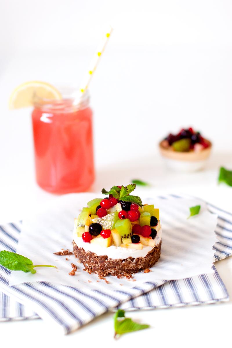 Cook & Blog : les blogueuses cuisinent vegan - recette de tartelette crue, vegan, sans gluten aux fruits de saison
