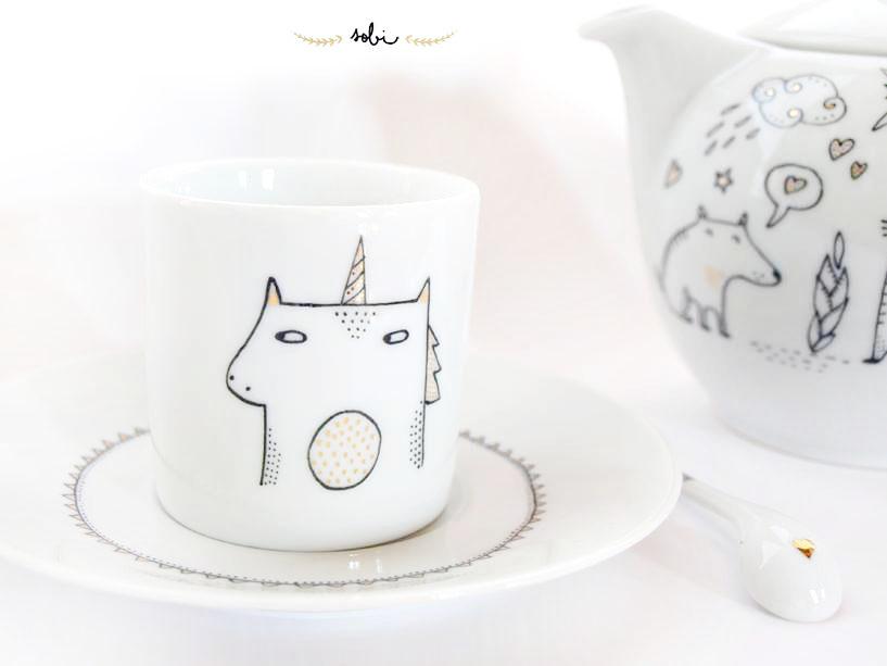 Sobigraphie : illustrations chats et licornes sur porcelaine