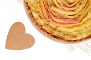 Tarte à la rhubarbe, crème pâtissière romarin (vegan, sans gluten)