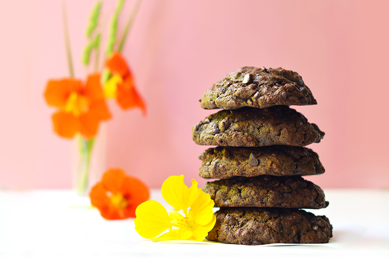 Ces petits cookies au chocolat vegan et sans gluten sont ultra moelleux ! Vous ne pourrez pas leur résister ;)