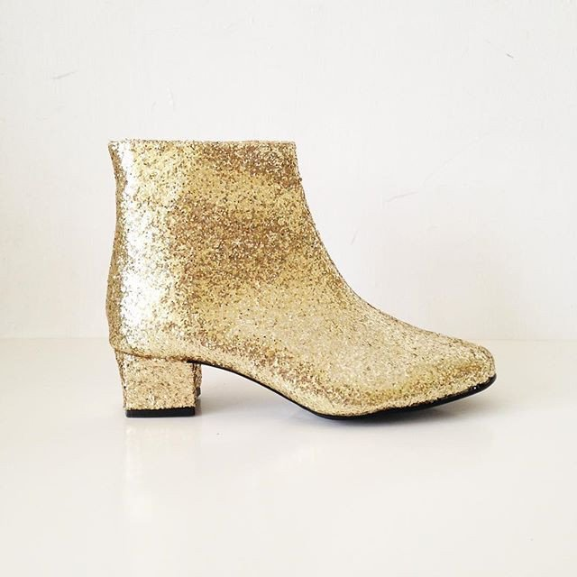 sweet-and-sour-golden-ponies-vegan-shoes-glitter-boots-4