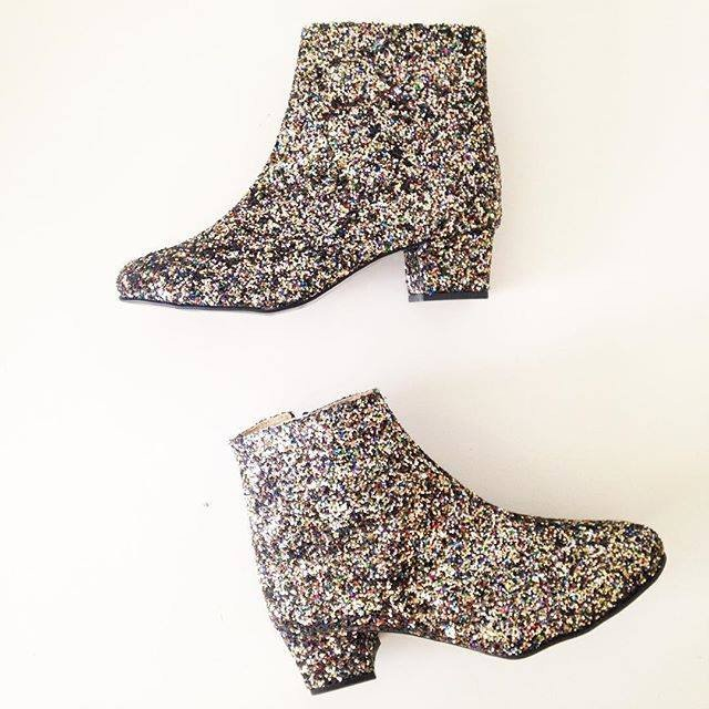 sweet-and-sour-golden-ponies-vegan-shoes-glitter-boots-6