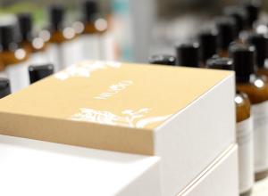 Vous êtes adeptes de produits bio mais pas très sûres de vouloir vous abonner à une box beauté ? Voici 3 bonnes raisons pour vous convaincre avec NUOO !