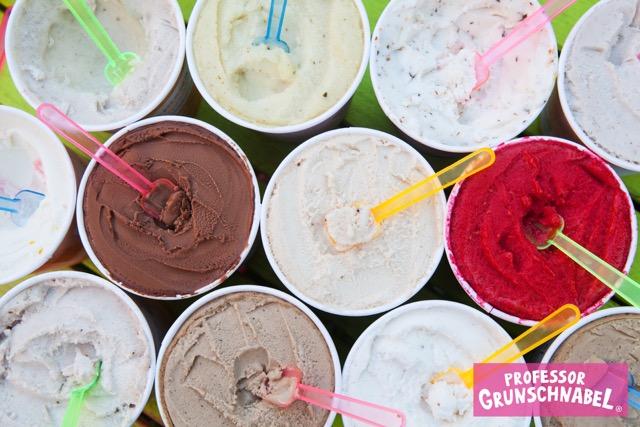 Quand je dis glace, je parle de vraies glaces, pas de sorbets aux fruits (qui sont la plupart du temps vegan) ! Ce que je veux, ce sont des vraies crèmes glacées vegan ! L'offre est encore limitée mais je vous partage le fruit de mes recherches et découvertes !