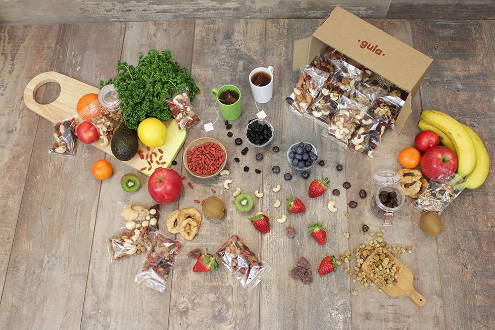 J'adore recevoir des gourmandises dans ma boîte aux lettres, pas vous ? Voici mon guide des box d'encas healthy pour faire le plein de snacks sains !