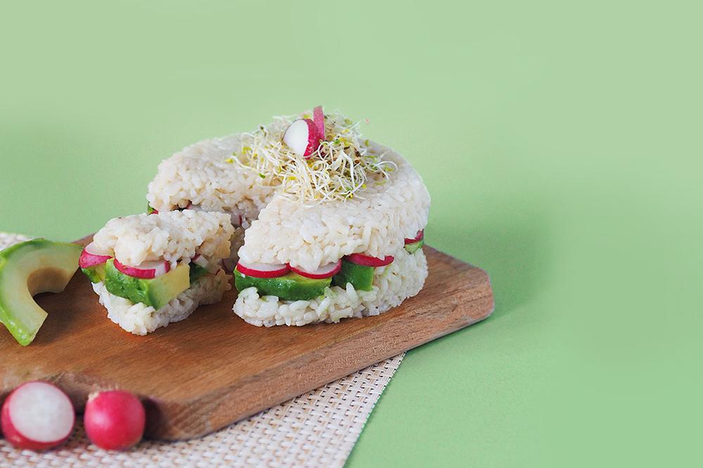 Sushi cake vegan radis / avocat