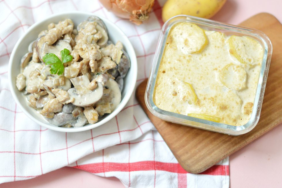 Pour ceux qui cherchent à remplacer la viande, je vous propose un «poulet» vegan aux champignons réalisé avec des protéines de soja texturées et un gratin dauphinois vegan en accompagnement.
