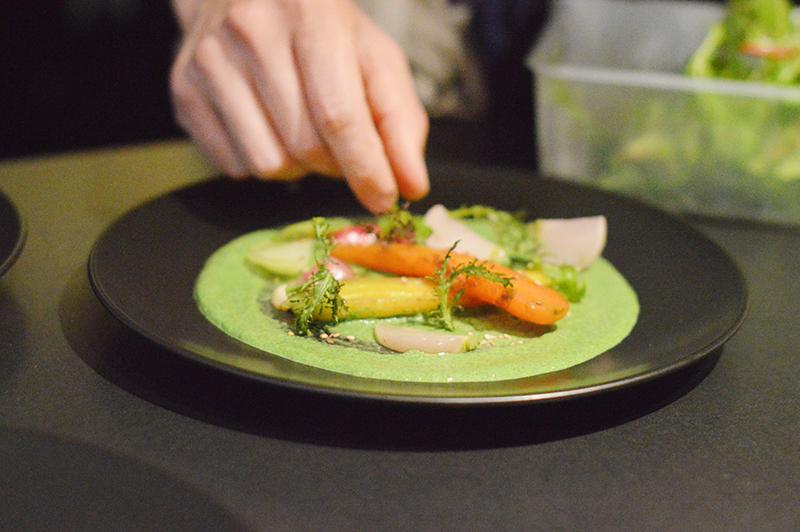 Je vous embarque pour un cours de cuisine avec Olivier Picard, créateur de Terra Culinaria, pour apprendre à découper, cuisiner, associer et dresser les légumes ! (vidéo inside !).