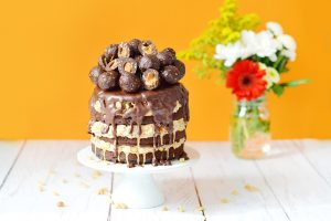 Funky layer cake au Coeur de Boule brownie – beurre de cacahuète (vegan, sans gluten)