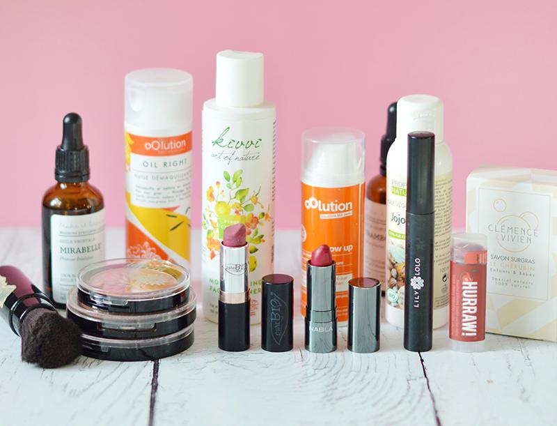 J'ai une routine beauté hyper «durable», c'est-à-dire que je suis accompagnée par les mêmes produits sur le long terme. Quand j'ai trouvé le bon, je ne le quitte plus ^^ Voici ma routine bio & vegan !
