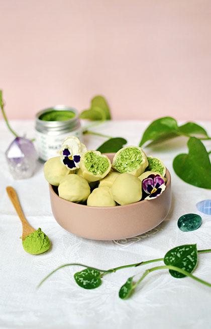 Bouchées coco matcha pour Anatae